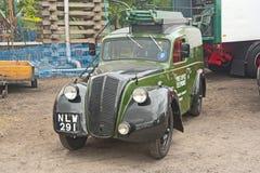Rocznika Morris samochód dostawczy robić wokoło 1948 Obraz Stock