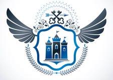 Rocznika oskrzydlony emblemat tworzył w wektorowym heraldycznym projekcie i comp royalty ilustracja