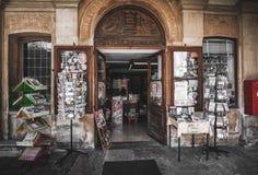 Rocznika pamiątkarski sklep Varallo Sesia Sacro Monte Vercelli Włochy fotografia stock