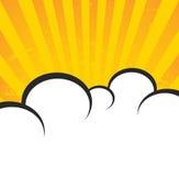 Rocznika papier, retro promienia tło, porysowana tekstura, komiczek chmury i słońce promienie, Wektorowy plakatowy układ w złocis royalty ilustracja