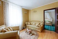 Rocznika pokoju hotelowego klasyczny wnętrze Zdjęcie Stock