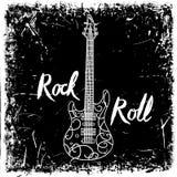 Rocznika ręka rysujący plakat z gitary elektrycznej i literowania rock and roll na grunge tle retro ilustracyjny wektora Obrazy Royalty Free