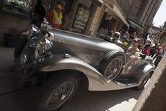 rocznika samochód wyścigowy przy mille miglia zdjęcia royalty free