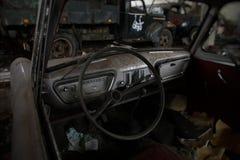 Rocznika samochodu wnętrze zdjęcia stock