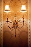 Rocznika spojrzenia lampa w luksusowym wnętrzu Obrazy Stock