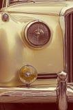 Rocznika spojrzenie przy jeden starym luksusowym samochodem Obraz Royalty Free