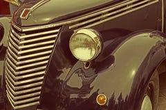Rocznika spojrzenie przy jeden starym włoskim samochodem Zdjęcia Stock