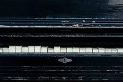 Rocznika stary pianino Przetarci pianino klucze czarny pianino Zdjęcie Stock