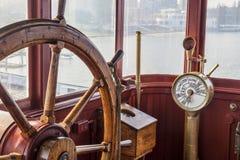 Rocznika statku kierownica obraz stock