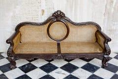 Rocznika styl wewnętrzna dekoracja rzemienna kanapa Obraz Stock