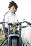 Rocznika stylu para przy motocyklem Fotografia Stock