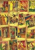 Rocznika tarot karty Fortunetelling z jeden popularne occult Tarot karty fotografia stock
