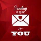 Rocznika valentine dnia karty pojęcia projekt z kopertą, typografii wiadomością i sercami na czerwonym niskim poli- tle, royalty ilustracja