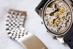 Rocznika zegarek i stali nierdzewnej patka fotografia royalty free