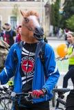 Roczny wiosny miasta kolarstwa wakacje i kolarstwo przez ulic miasto Obrazy Stock