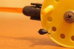 Rod pour la pêche d'hiver avec des mormyshkae Photographie stock