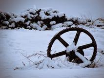 Roda abandonada do motor fotografia de stock