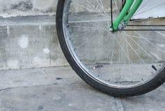 Roda de bicicleta dianteira Fotografia de Stock