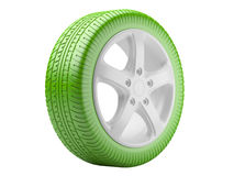 Roda de carro verde. conceito ecológico isolado em um backgrou branco Imagens de Stock