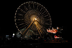 Roda de Ferris do cais da marinha (tiro cheio) Imagens de Stock Royalty Free