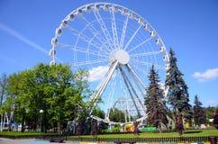 Roda de Ferris na ilha de Krestovsky imagens de stock