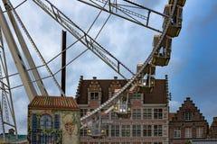 Roda de Ferris no mercado do Natal de Ghent Fotografia de Stock Royalty Free