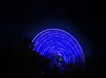 Roda de Ferris que gira na noite foto de stock royalty free