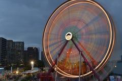 Roda de ferris revolvendo Fotografia de Stock