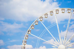 Roda de Ferris Roue de Paris no lugar de la Concorde do jardim de Tuileries em Paris, França Fotos de Stock