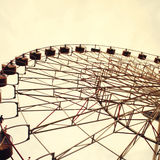 Roda de Ferris tonificada no estilo do vintage imagem de stock