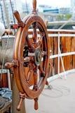 Roda de madeira do navio Fotos de Stock