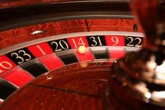 Roda de roleta clássica do casino com bola Imagem de Stock Royalty Free