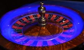 Roda de roleta com a raia clara azul imagens de stock