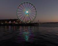 Roda de Seattle na noite fotos de stock royalty free