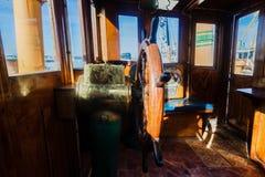 Roda de Tug Vessel Deck Command Steering imagem de stock royalty free