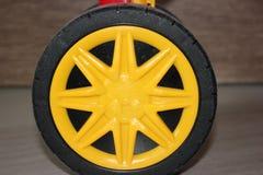 Roda de uma bicicleta brilhante do ` s da criança Fotografia de Stock Royalty Free
