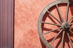 Roda de vagão velha foto de stock royalty free