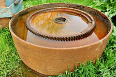 Roda dentada industrial oxidada fotografia de stock royalty free