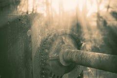 Roda denteada industrial na represa Imagem de Stock Royalty Free