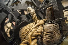 Roda denteada preta do ferro fundido imagem de stock royalty free