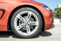 Roda do Gran Coupe 2018 de BMW 420i imagens de stock
