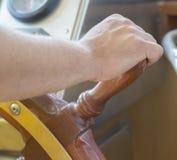Roda do navio da direção do marinheiro Foto de Stock Royalty Free