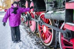 Roda e hastes velhas da locomotiva de vapor fotos de stock royalty free