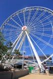 Roda no dia ensolarado, céu azul de Brisbane, 9 Novembro 2011 Imagem de Stock
