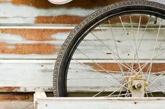 Roda velha foto de stock