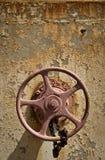 Roda velha da válvula Fotos de Stock