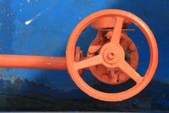 Roda vermelha do faucet Imagem de Stock