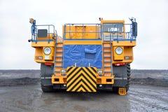 Rodado, caminhão-trator da pedreira Front View Imagens de Stock
