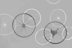 Rodas da bicicleta - conceitos e esforço comum da equipe imagens de stock