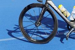 Rodas de bicicleta na bicicleta do triathlete Imagens de Stock Royalty Free